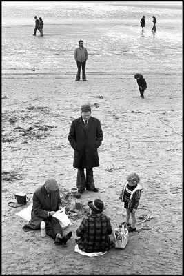 David Olds: Seaside Picnic, Easter Holiday, Blackpool, England, 1976
