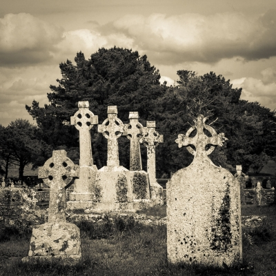 John Reef: Six Graves - Clonmacnoise