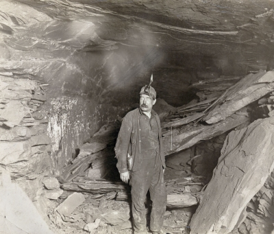 Lewis Hine: Bank Boss, Turkey Knob Mine
