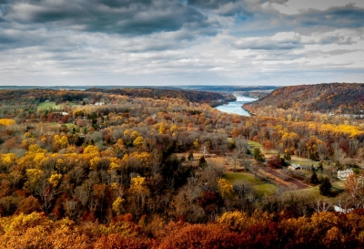 Robert Yockey: Autumn along the Delaware