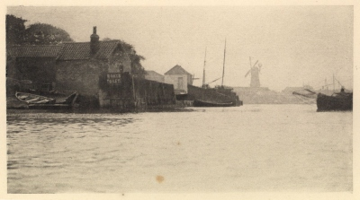 Peter Henry Emerson: Bound for the North River, photogravure, 1890, from Wild Life on a Tidal Water
